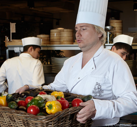 Николай Басков дегустировал сыр с самогоном