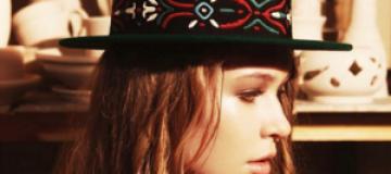 Дочка Брежневой стала лицом украинской марки шляп