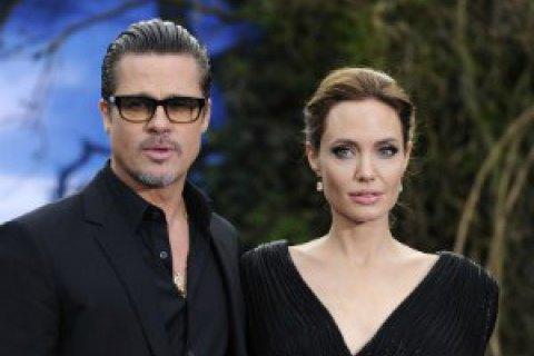 Брэд Питт и Анджелина Джоли начали бракоразводный процесс (ОБНОВЛЕНО)