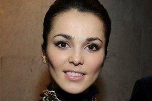 Сати Казанова шокировала публику откровенным нарядом