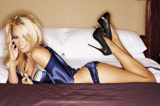 4 место: Памела Андерсон в рекламе Nokia в 2010 году
