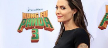 "Анджелина Джоли в мини-платье представила ""Кунг-фу Панду 3"""