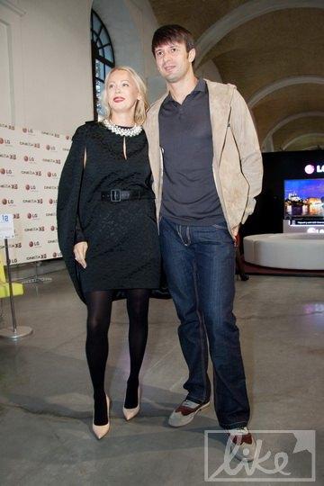 Александр Шовковский с супругой, дизайнером Ольгой Аленовой