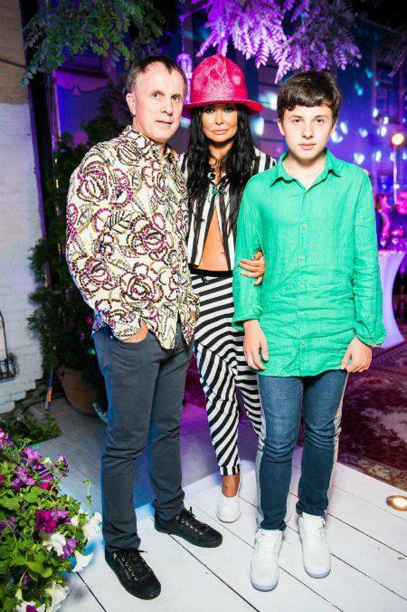 Ассия Ахат с мужем депутатом Киевсовета Игорем Баленко и их сыном