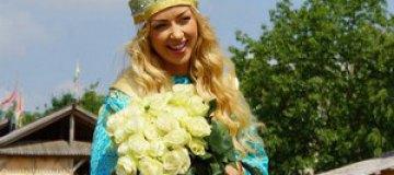 Валевская отметила день рождения в Средневековье