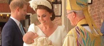 Принц Уильям и Кейт Миддлтон крестили трехмесячного сына