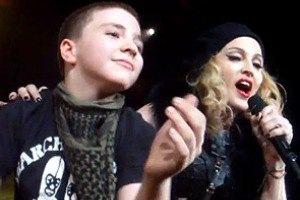 У 11-летнего сына Мадонны заподозрили рак