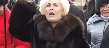 "Мэр Неля Штепа ""дала отпор отморозкам"" Майдана"