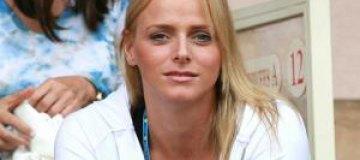 Жена князя Монако не выполняет брачный договор