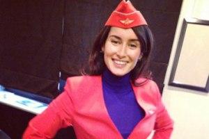 Канделаки примерила костюм стюардессы