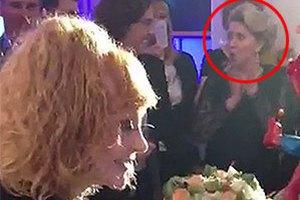 На дне рождения Пугачевой присутствовала жена Медведева