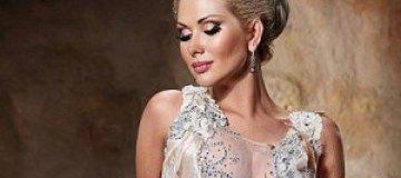 Бужинская примерила свадебное платье