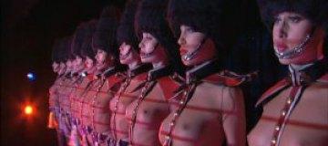 Танцовщицы Crazy Horse прекратили забастовку