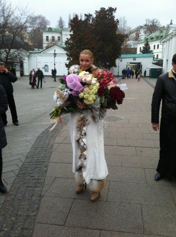 В Лавре балерину задарили цветами