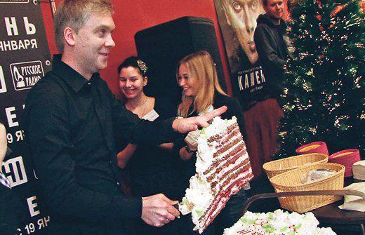 Сергей Светлаков празднует День рождения одновременно с маленькой дочкой