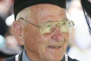 97-летний дедушка стал старейшим в мире выпускником вуза