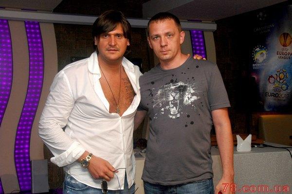 А таким Алексей Савченко был в свой эстрадный период...