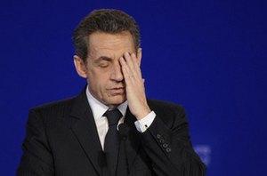 Саркози забросали яйцами