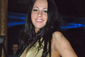 Порнозвезда Беркова сыграла Пугачеву в немецком кино