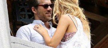 Райан Рейнольдс подарил невесте кольцо за $2 млн