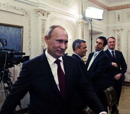 Владимир Путин принимает гостей