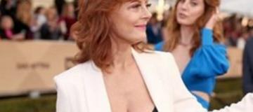 69-летняя Сюзан Сарандон вышла в свет с полуобнаженной грудью