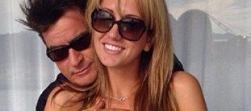 Чарли Шин все-таки женится на порноактрисе