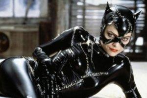 Мишель Пфайффер хочет вернуть свой костюм женщины-кошки