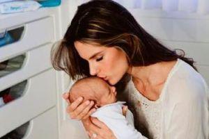 Алессандра Амбросио впервые показала сына
