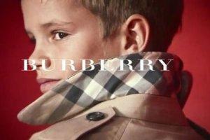 Burberry взял на работу десятилетнего сына Бекхэмов
