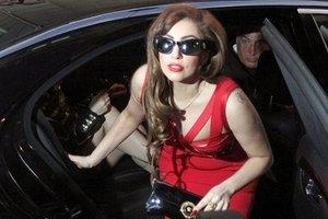 Леди Гага объявила, что не может ходить