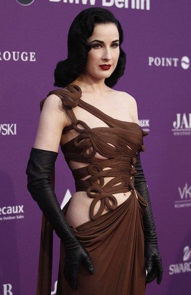 Дита фон Тиз никак не хотела позировать в стиле Джоли