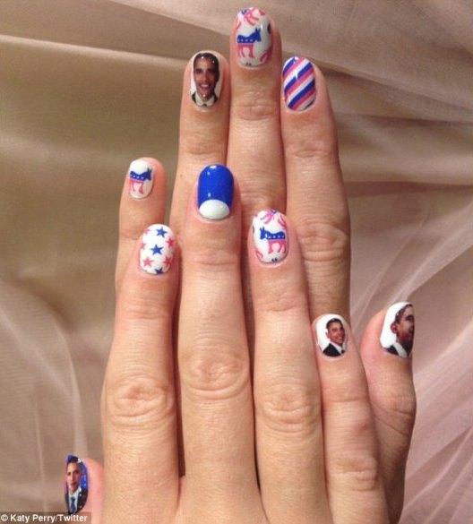 Кэти Перри разукрасила ногти в честь Барака Обамы