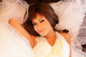 Гайтана приготовила для свадьбы пять платьев