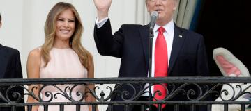 Конфуз в Белом доме: Мелании Трамп пришлось напомнить мужу, как правильно слушать гимн