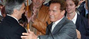 Арнольд Шварценеггер снова носит обручальное кольцо