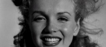 Найден утраченный кадр, на котором Мэрилин Монро впервые обнажилась в кино