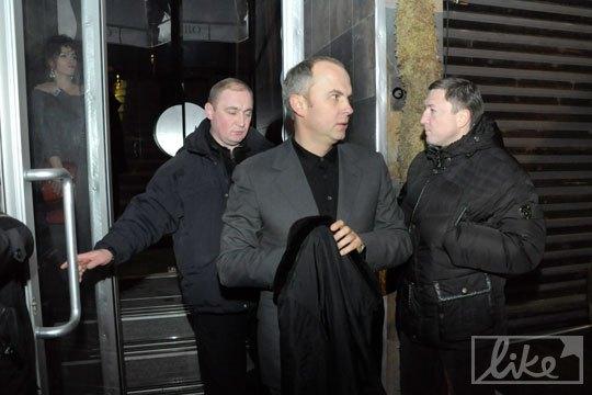 Нестор Шуфрич ушел раньше - рано утром совещание