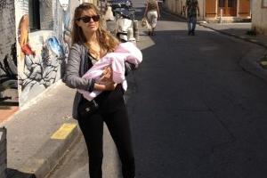 Боня показала новорожденную дочь