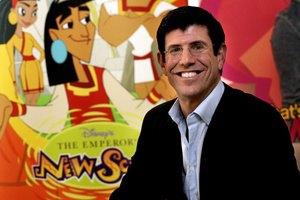 Глава Disney ушел в отставку из-за убытков студии