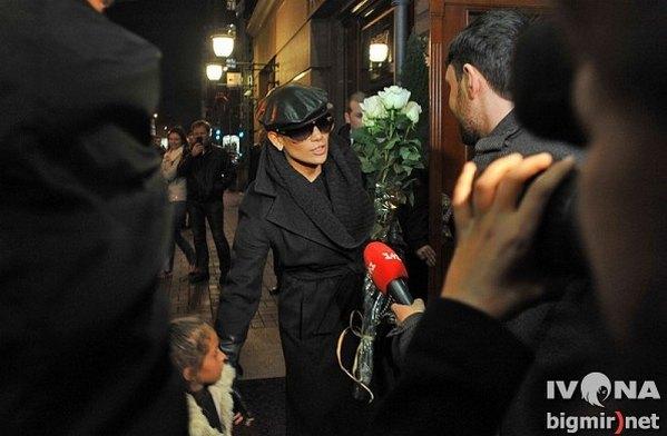 Дженнифер Лопес пряталась под солнцезащитными очками