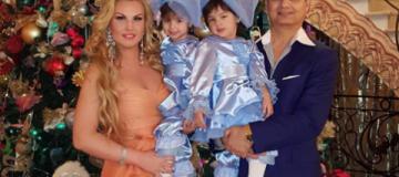 """Камалия, """"НеАнгелы"""", Монатик, Тоня Матвиенко и другие звезды показали, как встретили Новый год"""