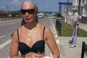 65-летняя Татьяна Васильева разделась перед кортежем Януковича