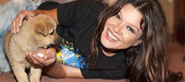 Руслана сжалилась над бездомным щенком