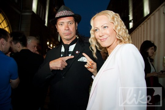 Супруг Маши Шубиной, художник Илья Чичкан и супруга футболиста Александра Шовковского, дизайнер Ольга Аленова