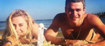 Стройная Тоня Матвиенко показала жаркий отдых с Арсеном Мирзояном