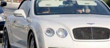 Дженнифер Лопес подарила бойфренду Bentley