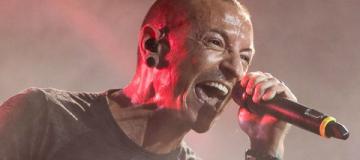 Солист Linkin Park покончил жизнь самоубийством