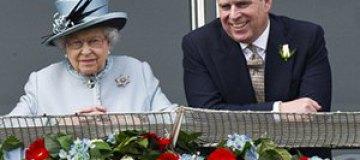 Сына королевы Елизаветы II задержали полицейские