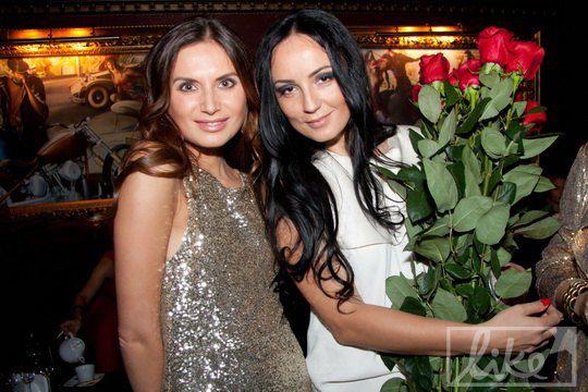 Экс-супруга Нестора Шуфрича Наталья Ворона (справа) отпраздновала свой день рождения в киевском ночном клубе